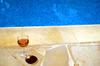 Verstrepen_ros_wijn_zwembad